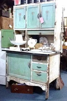 Beau This Is A Beautiful, Vintage, Wooden Hoosier Cabinet. It Is White And  Turquoise