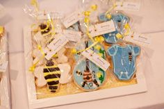 Mommy to Bee Neutral Baby Shower - Bella Paris Designs - Baby shower cookies