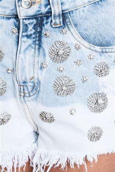 Short jeans bordado cristal flor