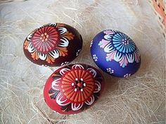 Dekorácie - maľované kraslice - 329622 Easter Colors, Egg Art, Art Techniques, Easter Eggs, Handmade, Polish, Holidays, Hand Made, Vitreous Enamel