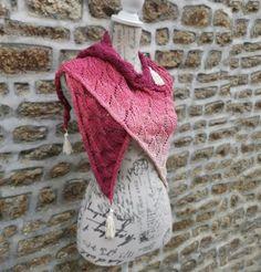Autumn Falling Leaves Shawl Lace Knitting, Knitting Patterns Free, Knitting Needles, Crochet Patterns, Fade Color, Sock Yarn, Knitted Shawls, Yarn Needle, Leaf Design