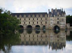 Château de Chenonceau: Château Renaissance (Château des Dames) avec sa galerie à deux étages et son pont sur le Cher (rivière) - France-Voyage.com