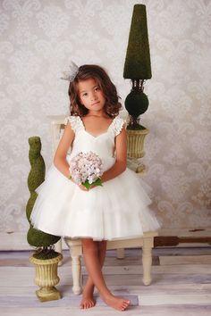 Sweet, handmade flower girl dress by Fattie Pie. Photography: Amy True