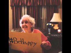 E como não lembrar ETERNAMENTE dessa lindeza?? O descanso é merecido, maravilhosa Grandma Betty ♥♥♥♥♥