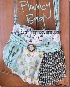 This bag is fun to make and looks great dressed up using your favorite fat quarter bundle. The body of the bag is easy to make using wide strips of fabric