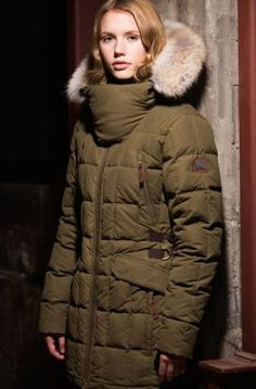 Much like our boot, the Conquest Carly Parka is both confident and sophisticated. Aside from a highly water resistant, waxed cotton shell and premium 800-fill power goose down, this parka features a bold, oversize collar, rugged metal and leather trim, and a coyote fur ruff for the upmost outdoor glam. In two colors.