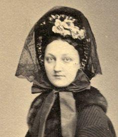 Kate Bateman (actress) by Charles Fredricks New York City; nice bonnet &  fur trimmed cloak or paletot