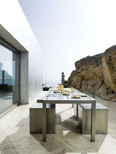 Casa Nuria Amat by Jordi Garces