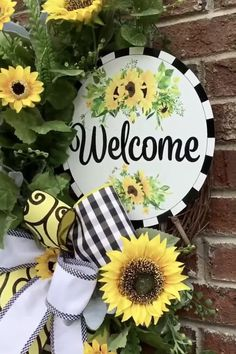 Sunflower Wall Decor, Sunflower Kitchen, Sunflower Wreaths, Sunflower Crafts, Xmas Wreaths, Grapevine Wreath, Double Door Wreaths, Tulle Wreath, Porch Welcome Sign