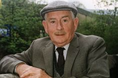 """Last of the Summer Wine (BBC) """"Howard Sibshaw"""" (Robert Fyfe) British Tv Comedies, British Comedy, Last Of Summer Wine, English Comedy, Comedy Actors, Face Men, Vintage Tv, I Love To Laugh, Famous Faces"""