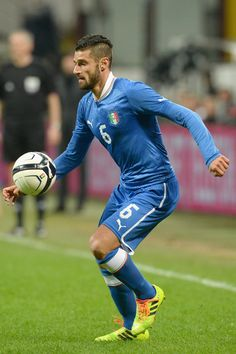Antonio Candreva of Italy in action during the international friendly match between Italy and Germany at Giuseppe Meazza stadium on November...