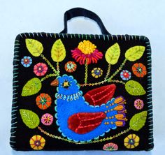 Kerry Stitch Designs - Dove In Bloom Sewing Kit Wool Applique Quilts, Wool Applique Patterns, Wool Quilts, Wool Embroidery, Felt Applique, Fabric Patterns, Jacobean Embroidery, Applique Ideas, Embroidery Stitches