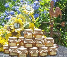 Vintage Wedding Jam Favors -- Spread the love to your wedding guests with these delicious vintage jars of jam! (dasweetzpot, Etsy