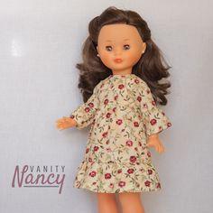 Si quieres hacer este bonito vestido, aquí tienes el patrón. Talla válida para Nancy New y Nancy Colección.