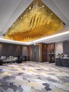Shangri-La at The Shard - Lasvit Luxury Chandelier, Luxury Lighting, Chandeliers, Lighting Design, Ballroom Design, Mid Century Chandelier, Plafond Design, Farmhouse Lamps, Lobby Interior