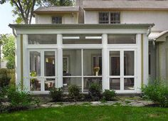 Screen Porch Addition Design Ideas, Pictures, Remodel and Decor - Houses interior designs Screened Front Porches, Screened Porch Designs, Enclosed Porches, Porch Flat Roof, Porch Kits, Porch Ideas, Pergola Ideas, Pergola Plans, Diy Pergola