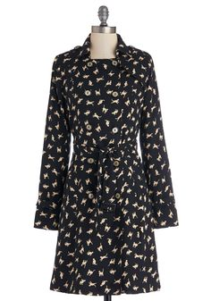 You thrive in the hustle and bustle of the city life thanks in part to this printed trench coat! Are you freaking kidding me? Vintage Coat, Retro Vintage, Vintage Style Outfits, Vintage Fashion, Cat City, Modcloth, Coats For Women, Dress Up, Dresses For Work
