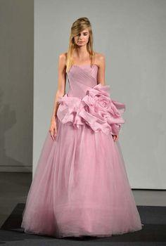 Los vestidos de novia Otoño 2014 en colores rosas de Vera Wang