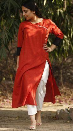 Rust Red Cotton Kurta and White Pants Dress Paterns, Plain Kurti, Kurta With Pants, Desi Wear, Kamiz, Designs For Dresses, Kurta Designs, White Pants, Silk Chiffon