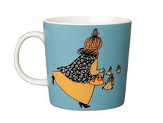 Shop the Moomin Mymble's Mother Cartoon Character Mug by Arabia, a must-have collectible porcelain/ceramic mug decorated with a cult classic Moomin story. Moomin Books, Moomin Mugs, Moomin Shop, Moomin Cartoon, Tove Jansson, Mug Decorating, Nordic Design, Little My, Porcelain Ceramics