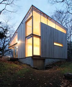 http://www.dailyicon.net/2011/03/cottage-by-gray-organschi-architecture/