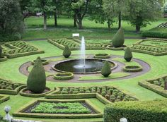 Easy And Cheap Tips: Garden Landscaping Layout Flower Beds garden landscaping ideas articles. Landscaping Images, Tropical Landscaping, Landscaping With Rocks, Backyard Landscaping, Beautiful Farm, Most Beautiful Gardens, Beautiful Flowers Garden, Landscape Plans, Garden Landscape Design