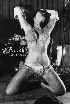 That vintage burlesque goodness. #burlesque #dorian dennis