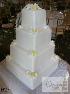 Fondant Wedding Cake - Cake by Leo Sciancalepore