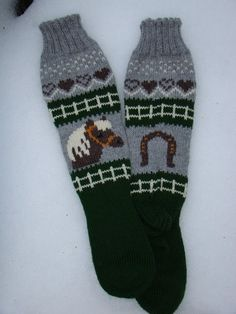Talvi ei anna vielä periksi Anna, Stocking Pattern, Knitting Socks, Knit Socks, Boot Cuffs, Double Knitting, Knit Or Crochet, Animal Design, Mitten Gloves