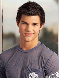 Taylor Lautner's Stylish Spiky Mens Hairstyles Short Sides Long Top 2014 for Teenagers and Young Adults