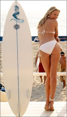 Cameron Diaz - it's bad (or good... For her!) when you envy the body of someone 10+ years older than you! So gorgeous