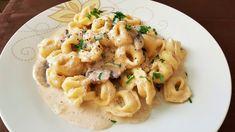 ΤΟΡΤΕΛΙΝΙΑ ΜΕ ΣΑΛΤΣΑ ΜΑΝΙΤΑΡΙΩΝ!! Cookbook Recipes, Pasta Recipes, Cooking Recipes, Kai, Mushroom Sauce, Tortellini, Greek Recipes, Risotto, Macaroni And Cheese