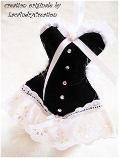 corset de mariée noir et blanc recto by lacaudry creation Lavender Bags, Lavender Sachets, Diy Corset, Zipper Jewelry, Vintage Corset, Dress Card, Felt Patterns, Barbie Accessories, Sewing Toys
