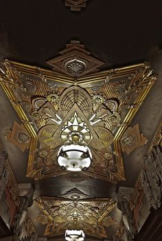 : art deco interior: Pantages-Ceiling