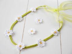 141) Haarband (Blumenkranz) Gänseblümchen selbst häkeln - ganz einfach und schnell - Häkelanleitungen bei Makerist