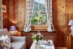 WOW, was für eine tolle Aussicht aus der Junior Suite im Tennerhof Gourmet & Spa de Charme Hotel in Kitzbühel!   #leadingsparesorts #leadingspa #wellness #spa #beauty #wellnesshotel #wellnessurlau # auszeit #entspannen #zimmer #room #travel #tirol #kitzbühel #aussicht #natur #berge #mountains #holz #gemütlich Wellness Hotel Tirol, Wellness Spa, Hotels, Das Hotel, Relax, Curtains, Jacuzzi Outdoor, Home Decor, Gourmet