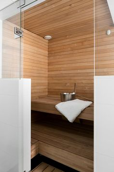 Bright small sauna – looks comfy. - Home FTH - Home Decor Ideas Bathroom Trends, Diy Bathroom Decor, Bathroom Renovations, Bathroom Interior, Bathroom Designs, Modern Bathroom, Steam Room Shower, Sauna Steam Room, Bad Inspiration