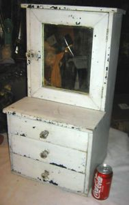 ANTIQUE PRIMITIVE CHILDS WOOD STEP BACK CUPBOARD DOLL COUNTRY HOUSE TOY MIRROR