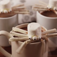 Perfect mug toppers. #food #drink #halloween #halloweenparty #halloweenpartyfood #kids #easyrecipe #recipe #diy #holiday