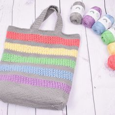 Summertime is crocheted in Rainbow Mercerized Cotton, the perfect yarn for this project. The mercerization makes the yarn even more durable and allows the bag to keep it's shape even better than with regular cotton yarn. Giraffe Crochet, Knit Or Crochet, Crochet Hooks, Free Crochet, Crochet Handbags, Crochet Purses, Knitting Patterns, Crochet Patterns, Sewing Patterns