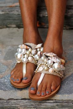 We have the perfect shoes for you, we have the best price, shoes, wear, On Shoes, Me Too Shoes, Creative Shoes, Shoe Wardrobe, Barefoot Shoes, Embellished Sandals, Estilo Boho, Diy Schmuck, Fashion Heels