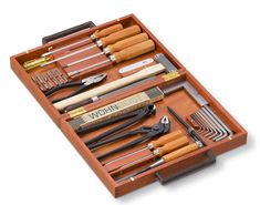 The beautiful WohnGeist Tool Set is every DIY fan´s dream, a gem for lovers of quality tools. Manufactured by preeminent Swiss woodworker WohnGeist, the exquisite set is housed in an elegant Swiss pear wood box with leather handles. Holiday Gifts For Men, All Tools, Wood Carving Tools, Diy Fan, Gadget Gifts, Tool Storage, Tool Organization, Wood Boxes, Tool Set