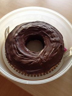 Schoko-Kokos Kuchen mit viel Schokolade und Kokosraspeln