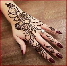 Simple Mehndi Design Images Gallery - Simple Mehndi Designs for Hands Images Easy to Draw for Beginner. new mehndi design that suitable for beginner Mehndi Designs For Girls, Henna Art Designs, Mehndi Designs For Fingers, Modern Mehndi Designs, Mehndi Design Photos, Beautiful Mehndi Design, Henna Tattoo Designs Arm, Floral Henna Designs, Back Hand Mehndi Designs