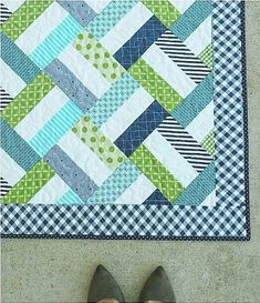 Baby Quilts Easy, Baby Patchwork Quilt, Lap Quilts, Strip Quilts, Mens Quilts, Quilt Square Patterns, Square Quilt, Easy Baby Quilt Patterns, Lap Quilt Size