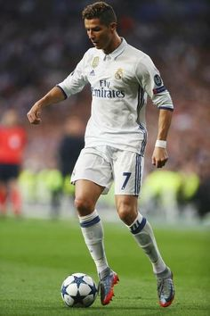 Cristiano Ronaldo of Real Madrid in action during the UEFA Champions League semi final first leg match between Real Madrid CF and Club Atletico de Madrid at Estadio Santiago Bernabeu on May 2017 in Madrid, Spain. Cristiano Ronaldo Quotes, Cristano Ronaldo, Cristiano Ronaldo Juventus, Juventus Fc, Ronaldo Real, Cr7 Messi, Neymar, Fotos Real Madrid, Ronaldo Pictures