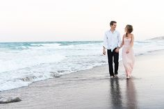 Beth Beattie and Lawson Aschenbach& engagement session was the epitome of Florida: effortlessly romantic. Winter Photography, Couple Photography, Engagement Photography, Photography Poses, Beach Engagement Photos, Engagement Couple, Engagement Session, Engagement Ideas, Couple Posing