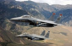 F-15E Strike Eagle      El F-15E Strike Eagle es una nueva generación de cazabombardero polivalente de superioridad aérea desarrollado a partir del F-15 A/D, considerado en la actualidad como la columna vertebral de la Fuerza Aérea de EE.UU. (USAF). La última tecnología con la que cuenta sus sistemas de aviónica, provee al Strike Eagle de la capacidad de ejecutar misiones aire-tierra y aire-aire en todo tipo de condiciones meteorológicas durante el día o la noche.  El F-15E, capaz de…