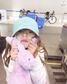 No photo description available. Ulzzang Kids, Korean Ulzzang, Cute Kids, Cute Babies, Kids Cast, Kids Girls, Baby Kids, Baby Girl Images, Korea Boy