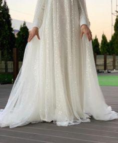 Image may contain: one or more people and wedding Kebaya Wedding, Wedding Hijab, Muslim Wedding Dresses, Wedding Gowns, Formal Dresses, Nikkah Dress, Lace Dress, Hijab Fashion, Fashion Outfits